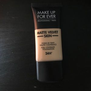 Makeup forever matte velvet skin foundation